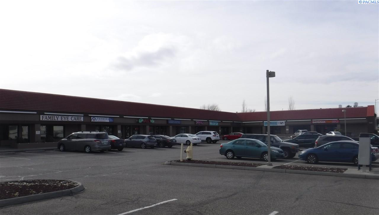 Retail for Sale at 7903 W Grandridge Kennewick, Washington 99336 United States