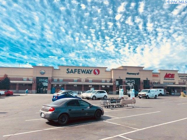 Retail for Sale at 2801 W Kennewick Ace Suite 3001 Kennewick, Washington 99336 United States