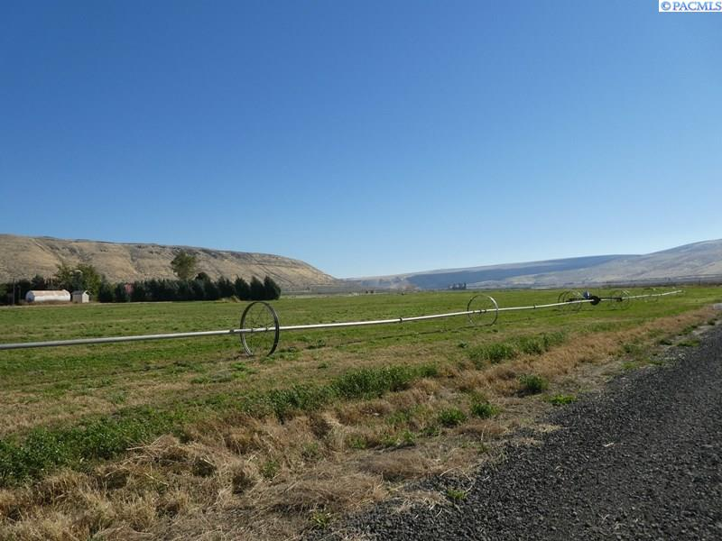 Land for Sale at Lot 3 NKA Goose Gap Road Benton City, Washington 99320 United States