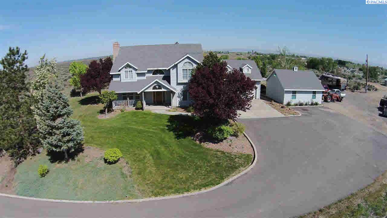 Single Family Homes for Sale at 501 Byron Road Prosser, Washington 99350 United States