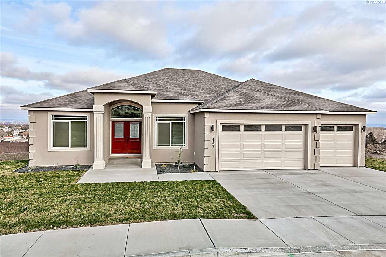 Single Family Homes for Sale at 5439 S Kent Street Kennewick, Washington 99336 United States