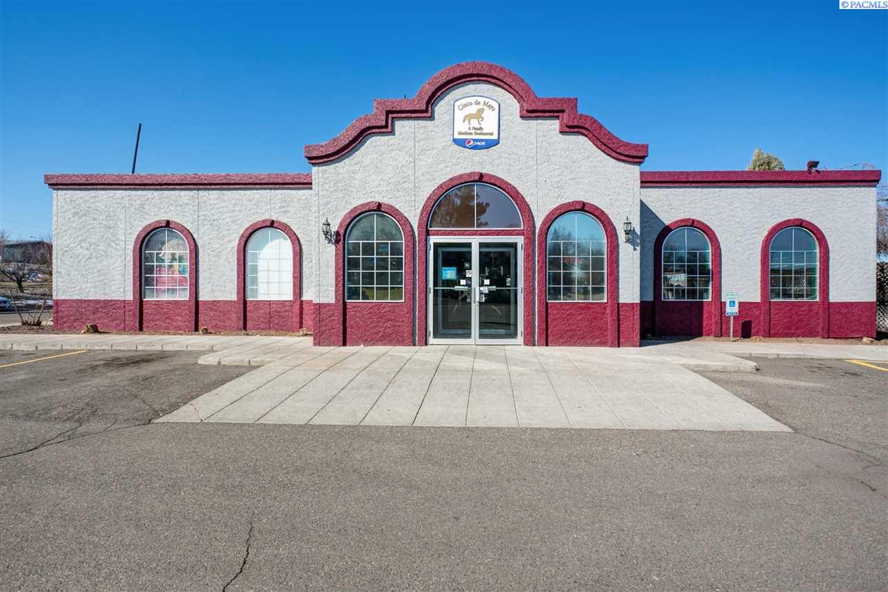 Retail for Sale at 2100 N Belfair Street Kennewick, Washington 99336 United States