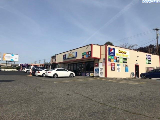 Retail for Sale at 2400 W Kennewick Avenue Kennewick, Washington 99336 United States