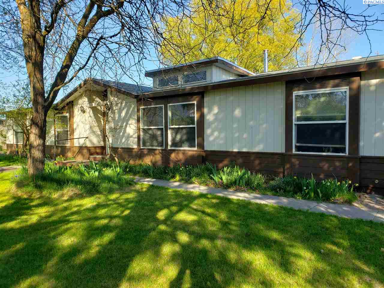 Manufactured Home for Sale at 245 NE Columbia River Lane Washtucna, Washington 99371 United States