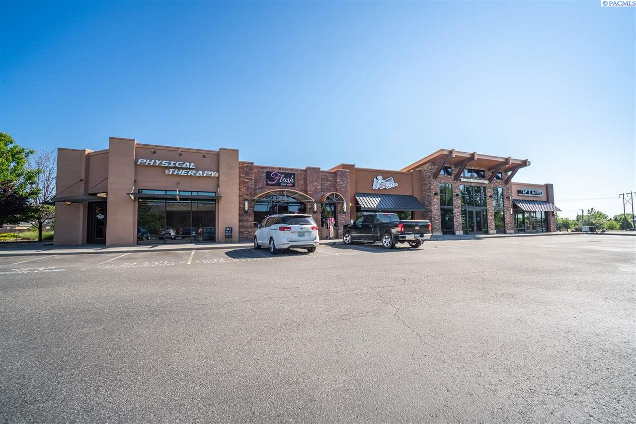 Retail for Sale at 112 - 120 Keene Road Richland, Washington 99352 United States