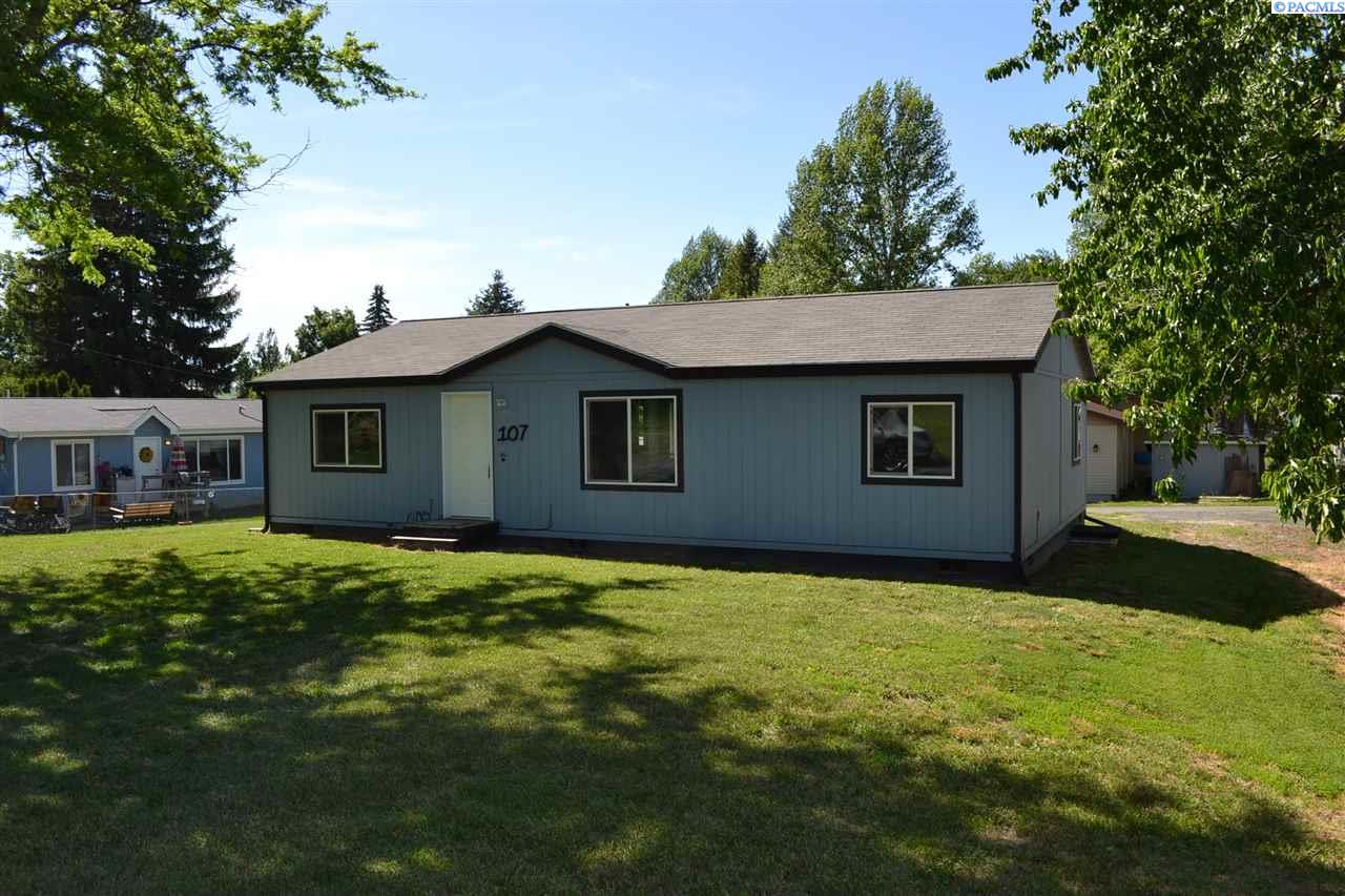 Manufactured Home for Sale at 107 N B Street Albion, Washington 99102 United States