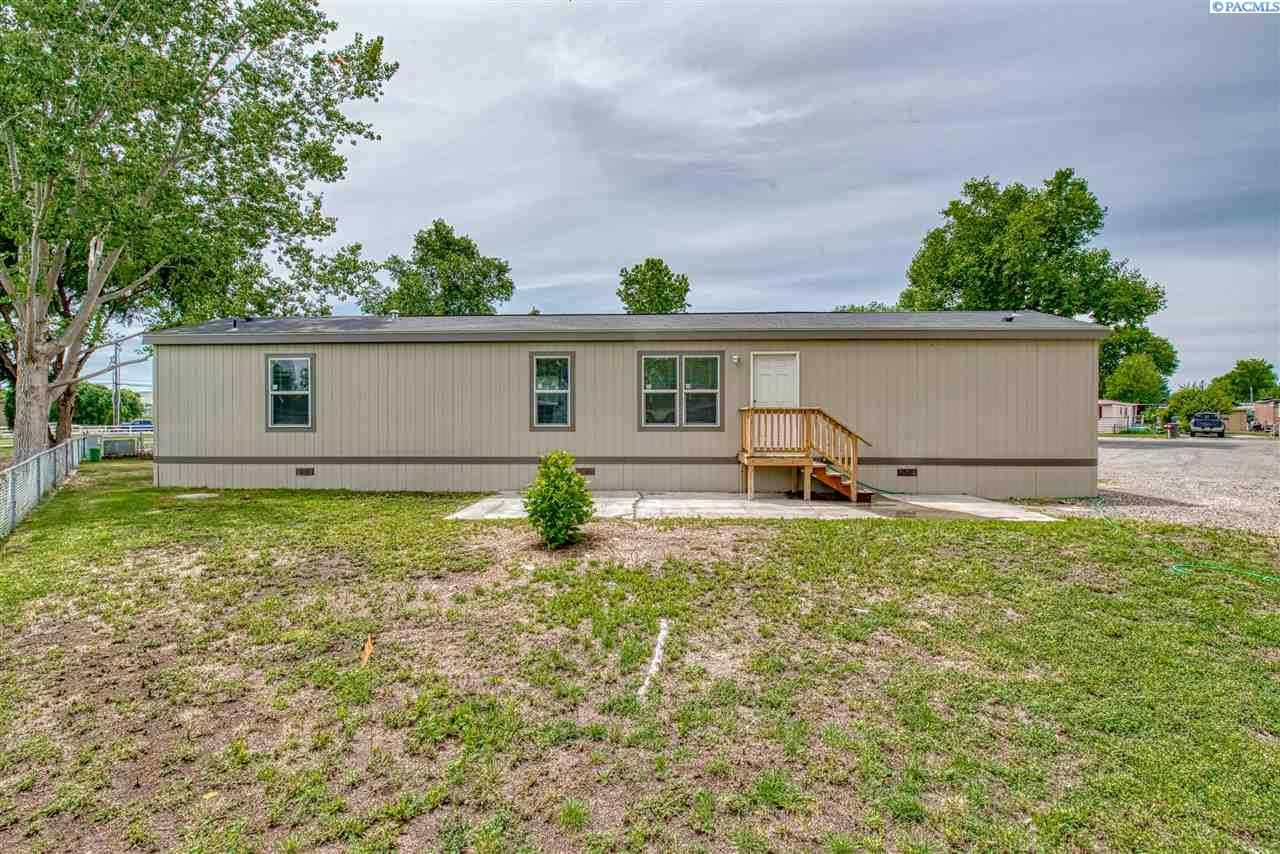 Manufactured Home for Sale at 203106 E Bowles Rd #46 Kennewick, Washington 99337 United States