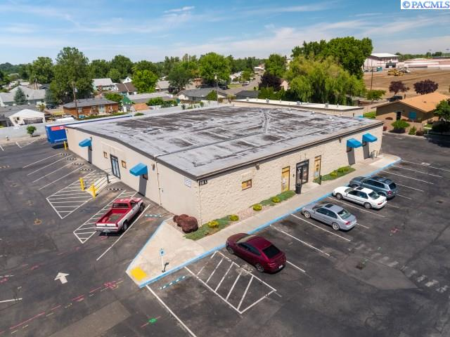 Retail for Sale at 810 S Dayton Street Kennewick, Washington 99336 United States