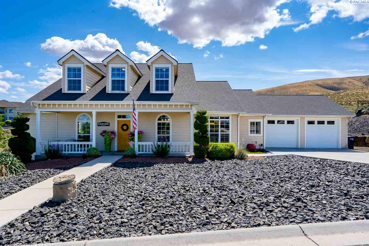 Single Family Homes for Sale at 1213 Mustang Court Prosser, Washington 99350 United States