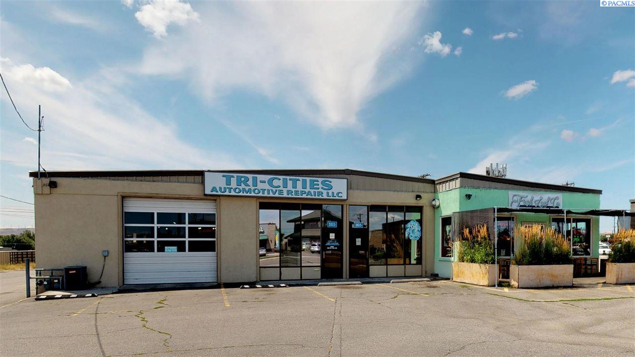 Retail for Sale at 2615 W Kennewick Avenue Kennewick, Washington 99336 United States