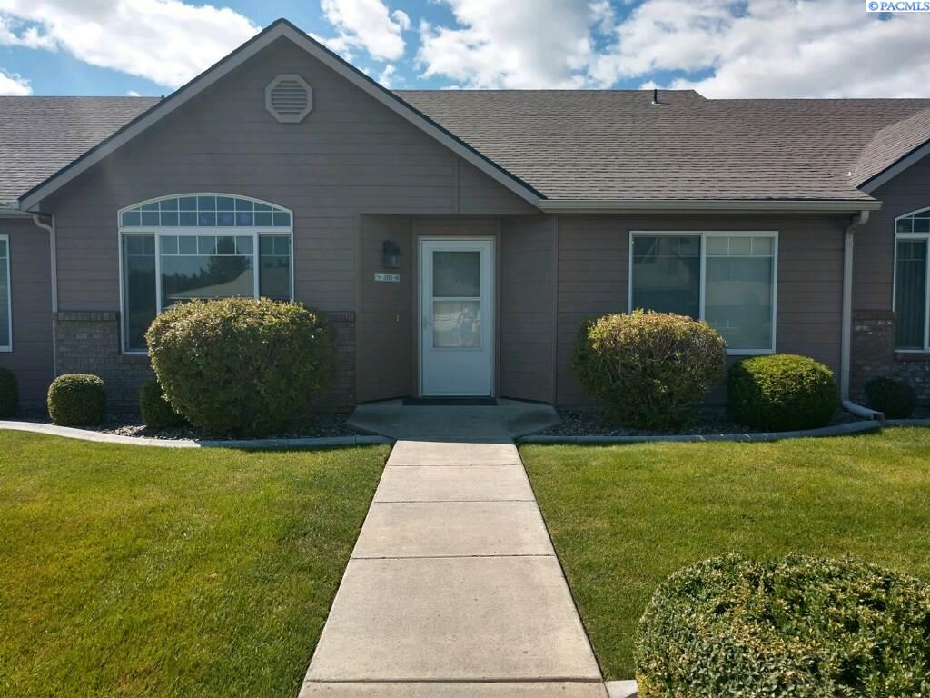 Condominiums for Sale at 2515 W Grand Ronde Avenue Kennewick, Washington 99336 United States