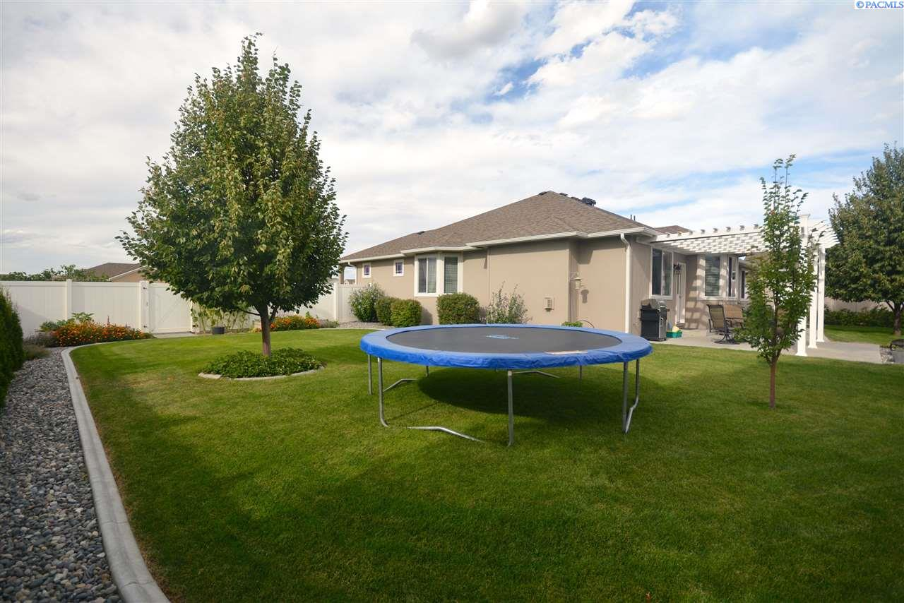 Additional photo for property listing at 5989 Willowbend Street West Richland, Washington 99353 United States