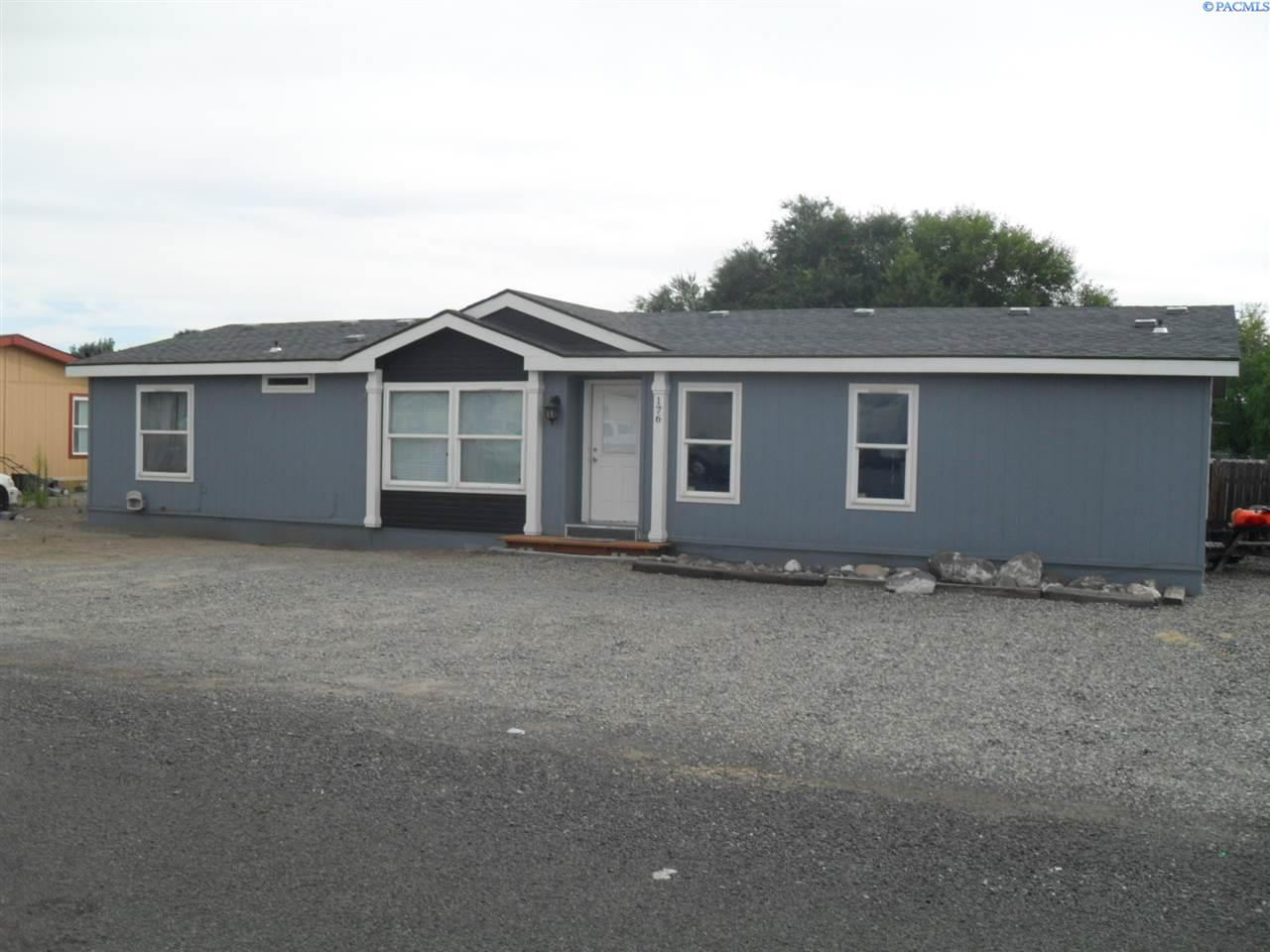 Manufactured Home for Sale at 176 Columbia Road Burbank, Washington 99323 United States