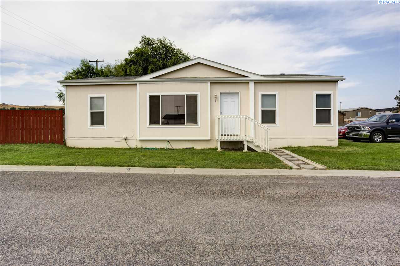 Manufactured Home for Sale at 200802 E Game Farm Road Kennewick, Washington 99337 United States
