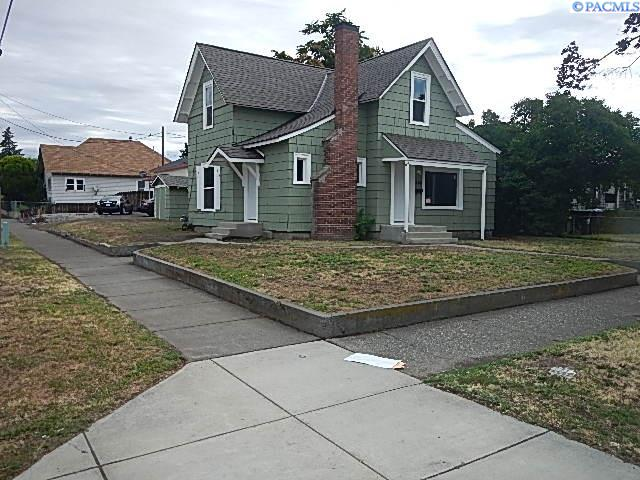 Single Family Homes for Sale at 260 Chestnut Street Walla Walla, Washington 99362 United States