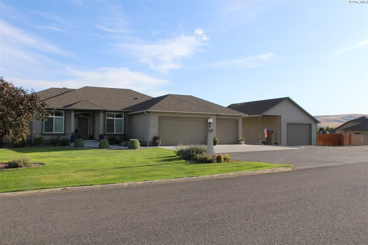Single Family Homes for Sale at 98515 Canyon View Drive Kennewick, Washington 99338 United States