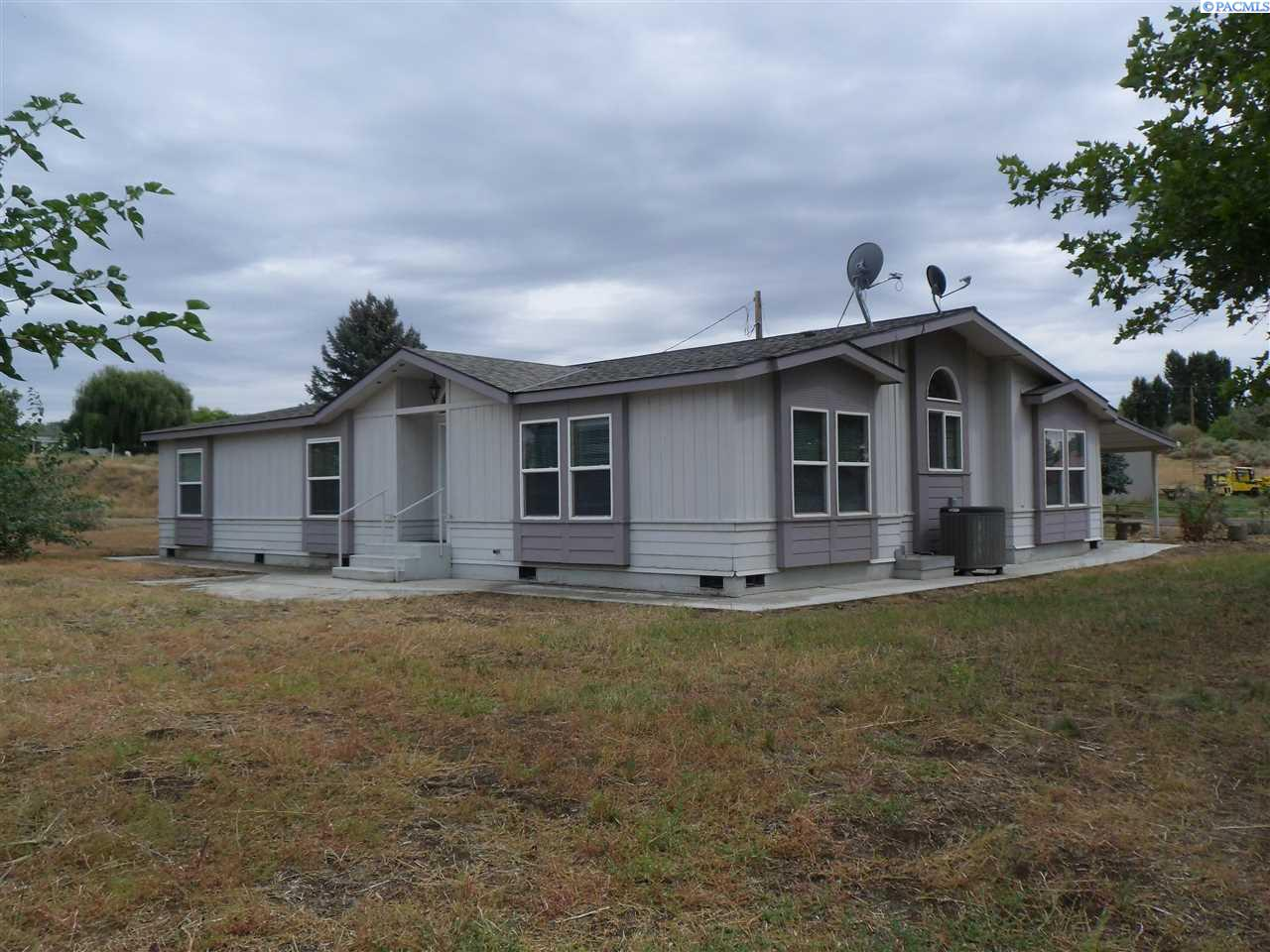 Manufactured Home for Sale at 70 Nila Road Eltopia, Washington 99330 United States