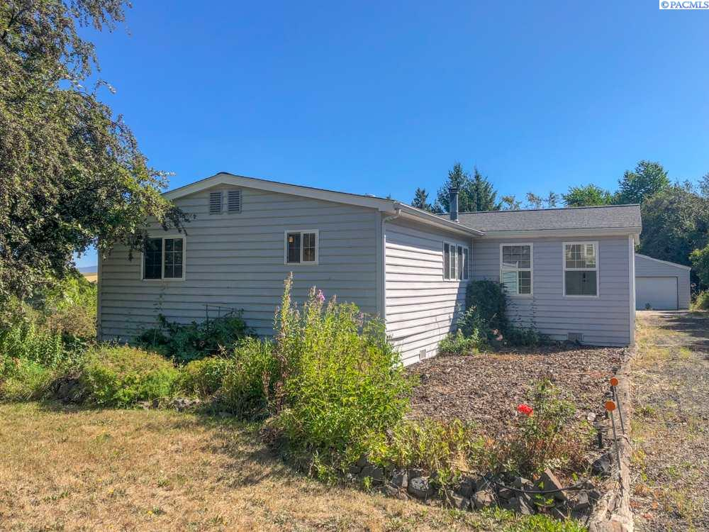 Manufactured Home for Sale at 208 W Cleveland Street Garfield, Washington 99130 United States