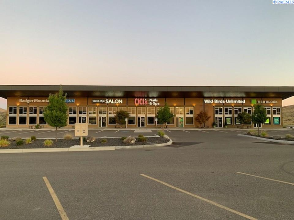 Retail for Sale at 480 Keene Road Richland, Washington 99352 United States