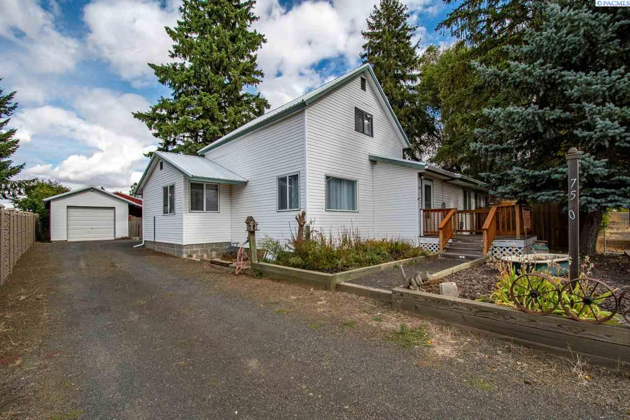 Single Family Homes for Sale at 750 W Church Street Palouse, Washington 99161 United States