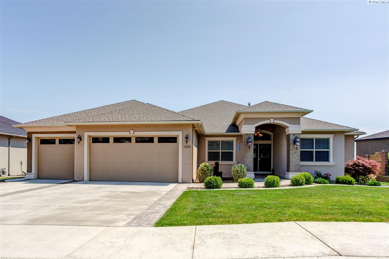 Single Family Homes for Sale at 1656 Lucca Lane Richland, Washington 99352 United States