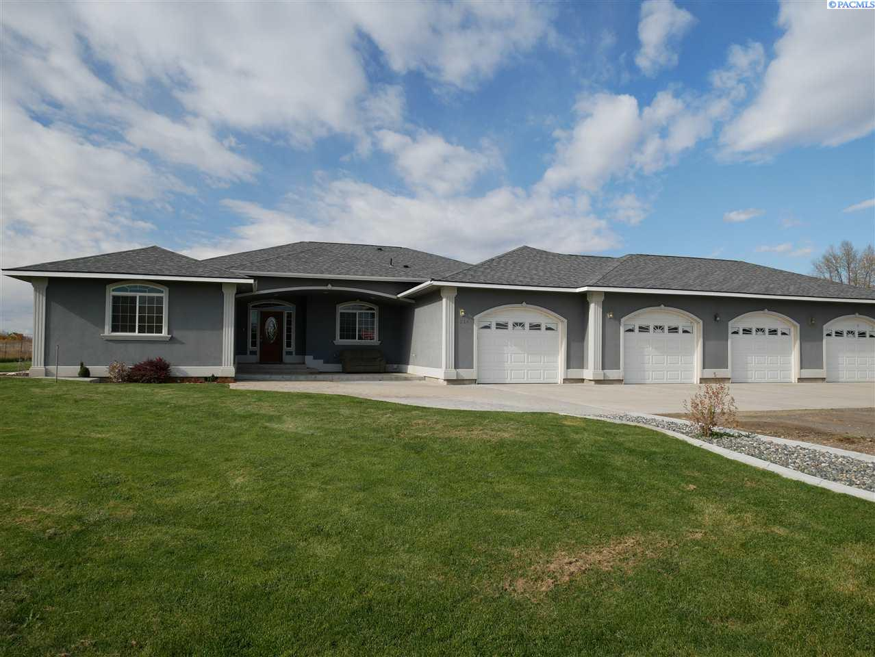 Single Family Homes for Sale at 7514 S S Moore Road Prosser, Washington 99350 United States