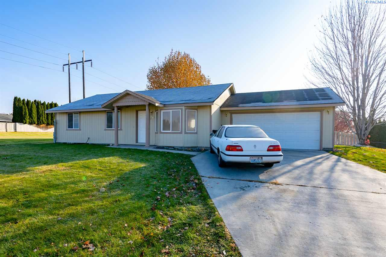 Single Family Homes for Sale at 3142 Primrose Street West Richland, Washington 99353 United States