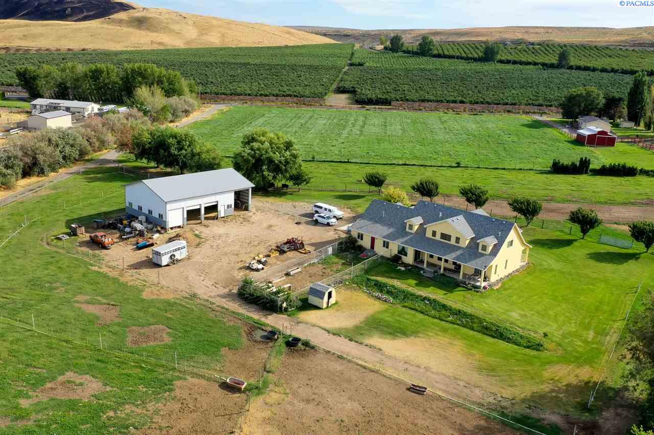 Farm / Ranch / Plantation for Sale at 244924 E Hover Road Kennewick, Washington 99337 United States