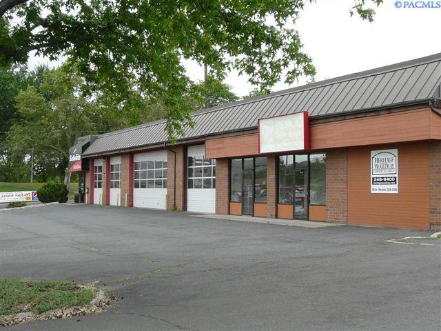 Retail for Sale at 1602 W Lincoln Avenue Yakima, Washington 98901 United States