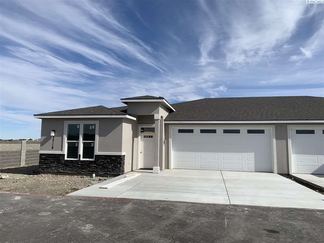 Single Family Homes for Sale at 2718 Westhaven Court West Richland, Washington 99353 United States