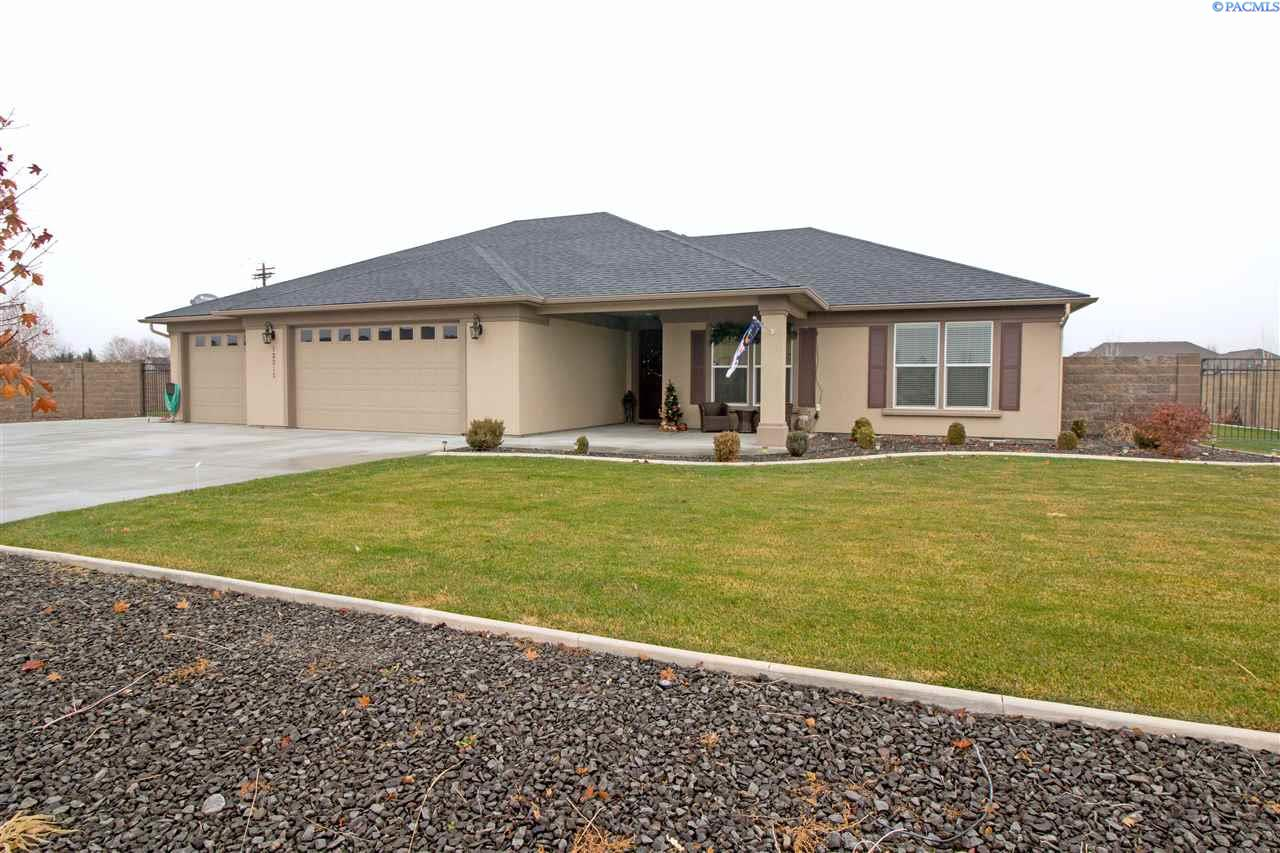 Single Family Homes for Sale at 12315 Willow Creek Drive Pasco, Washington 99301 United States