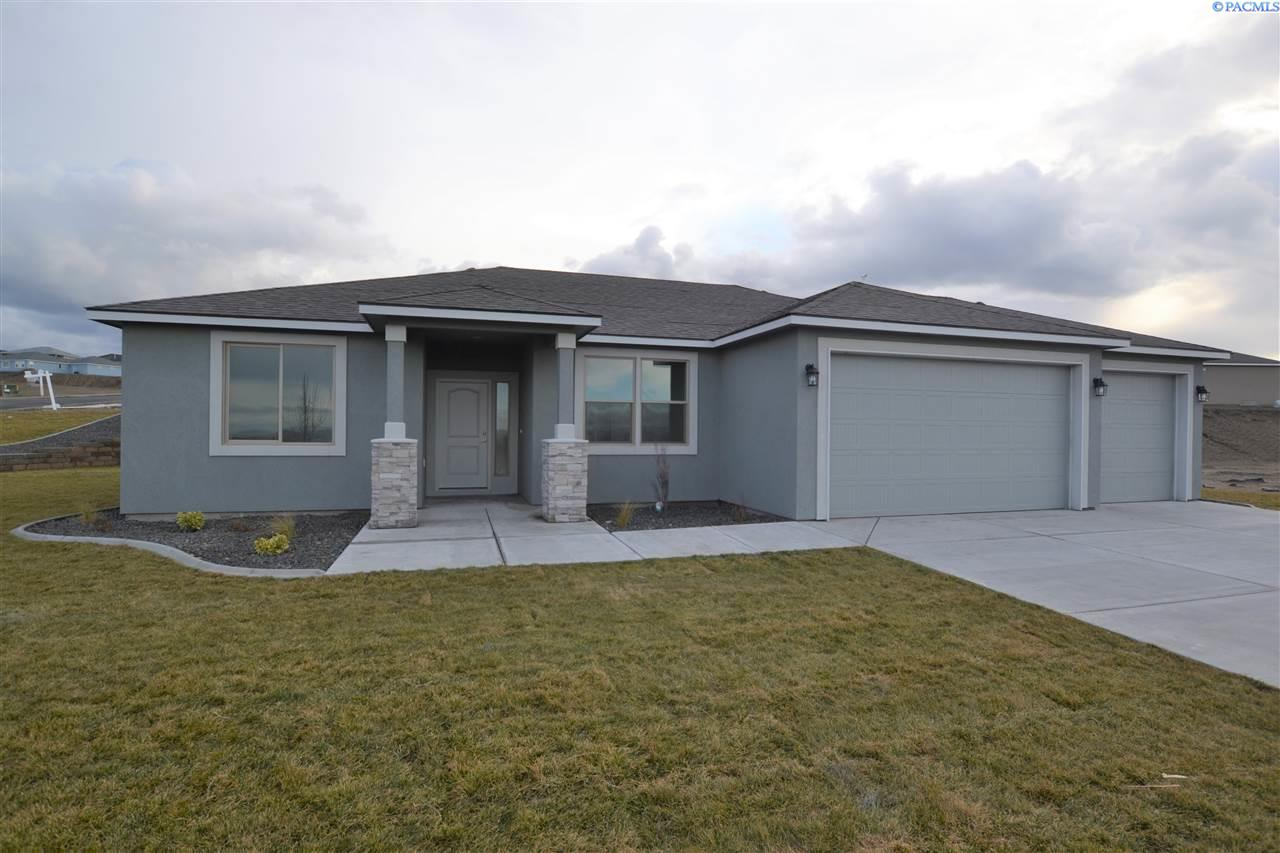 Single Family Homes for Sale at 7075 Ithaca Street West Richland, Washington 99353 United States