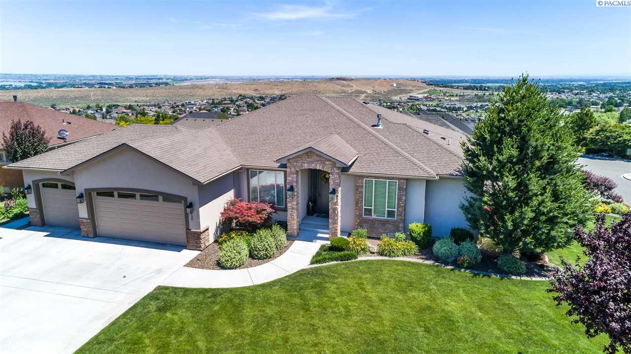 Single Family Homes for Sale at 610 Lago Vista Drive Richland, Washington 99352 United States