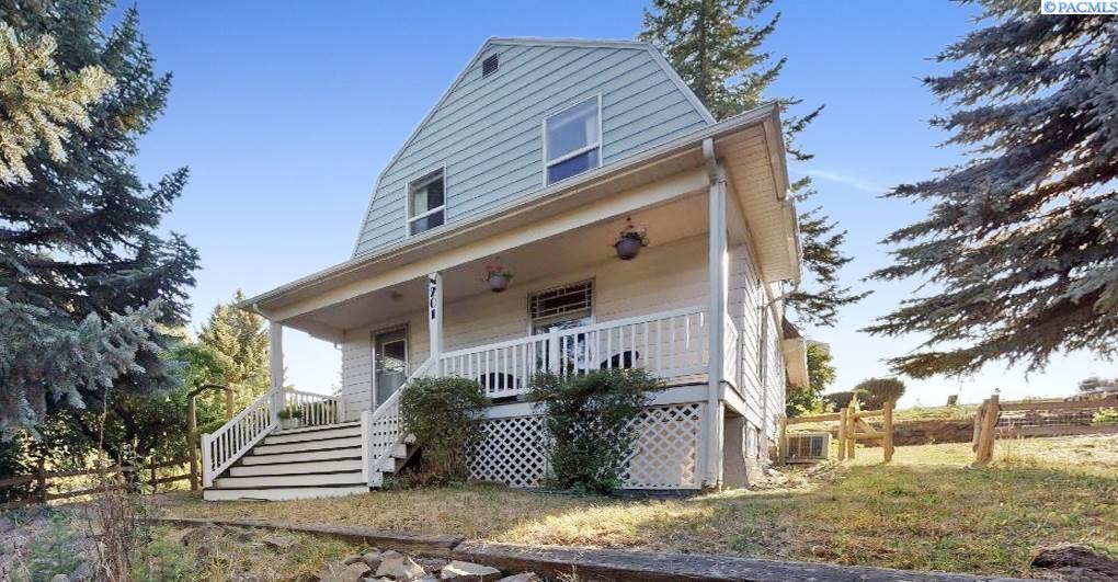 Single Family Homes for Sale at 201 N Montgomery Street Uniontown, Washington 99179 United States