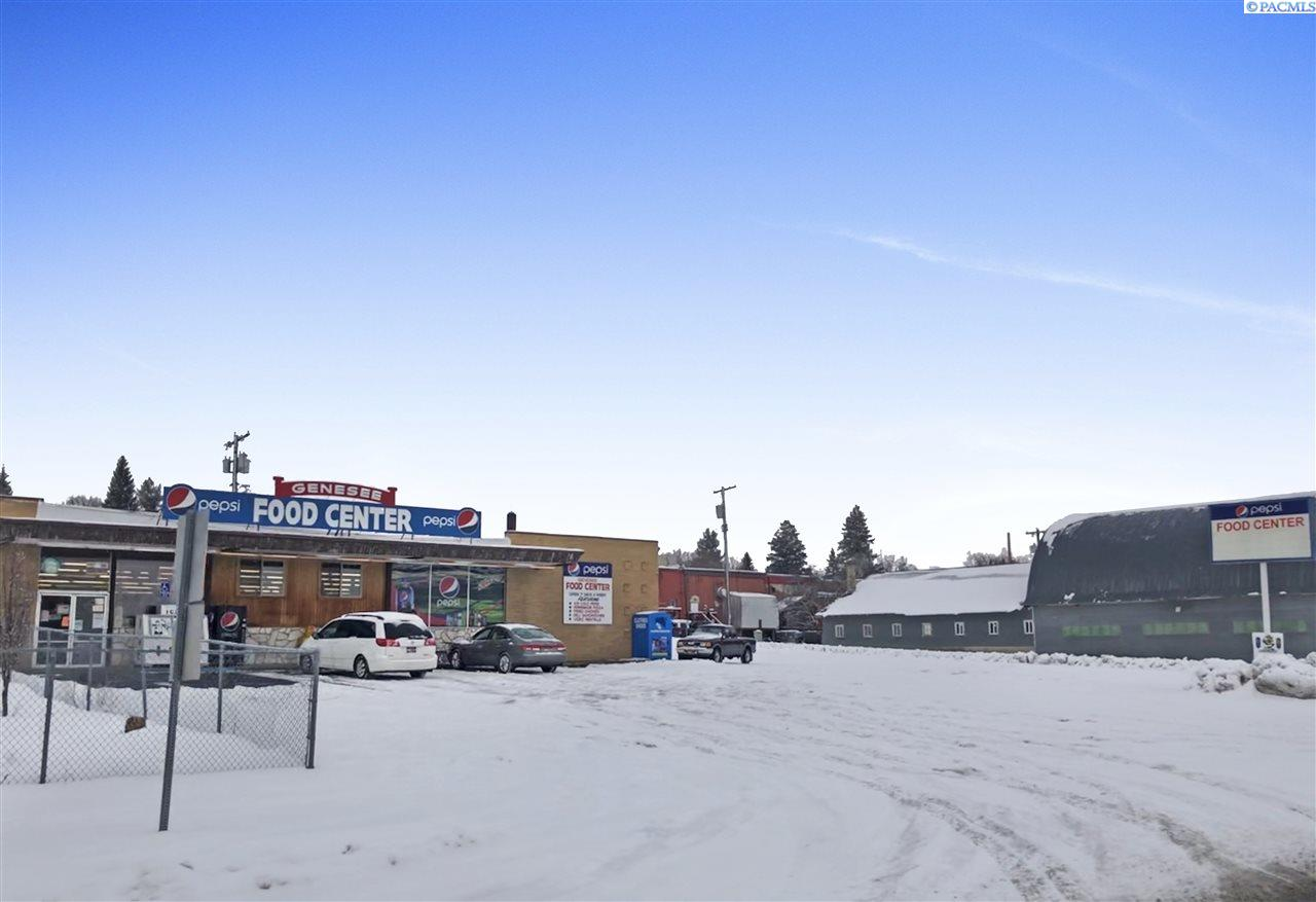 Retail for Sale at 216 W Chestnut Street Genesee, Idaho 83832 United States
