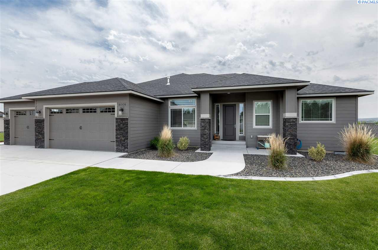 Single Family Homes for Sale at 8008 Bayberry Drive Pasco, Washington 99301 United States