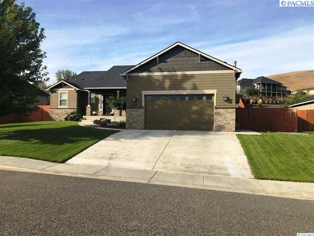 Single Family Homes for Sale at 1455 Badger Mountain Loop Richland, Washington 99352 United States