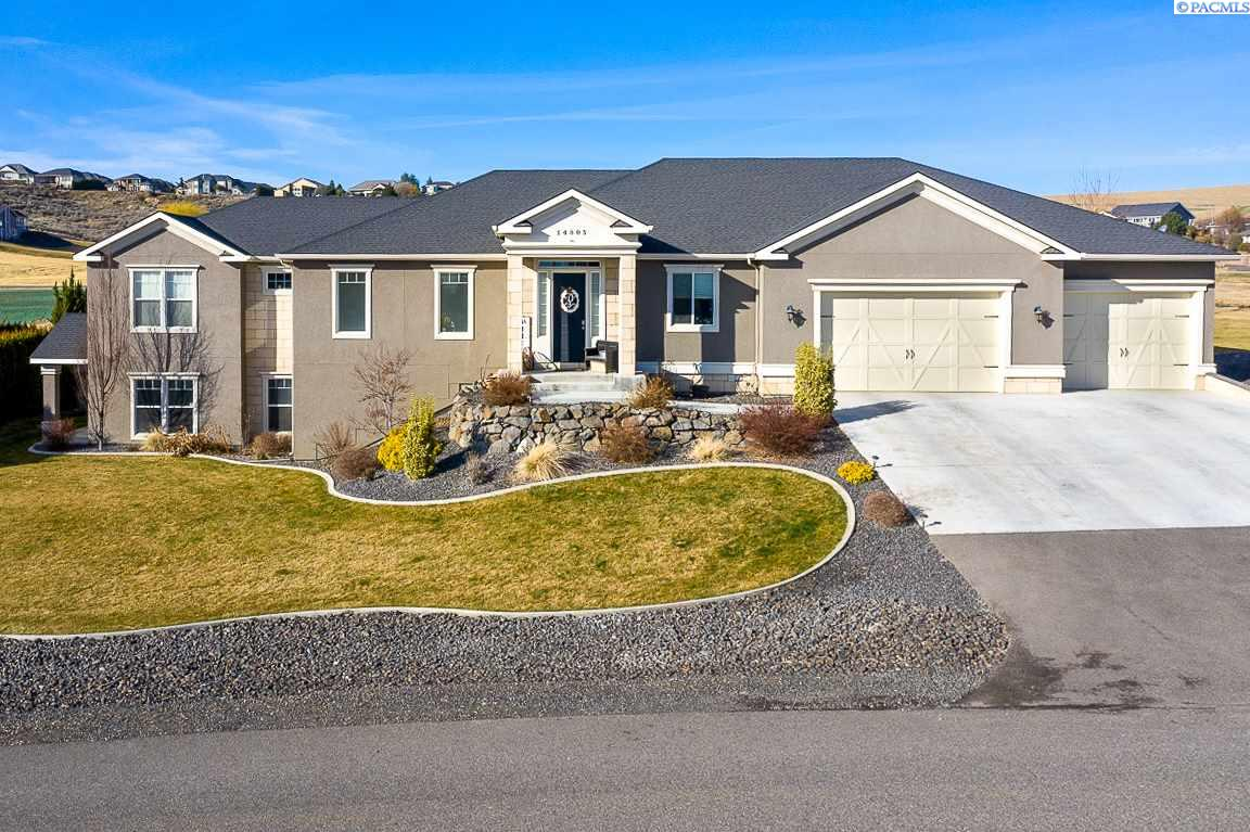 Single Family Homes for Sale at 14805 S Clear View Loop Kennewick, Washington 99338 United States