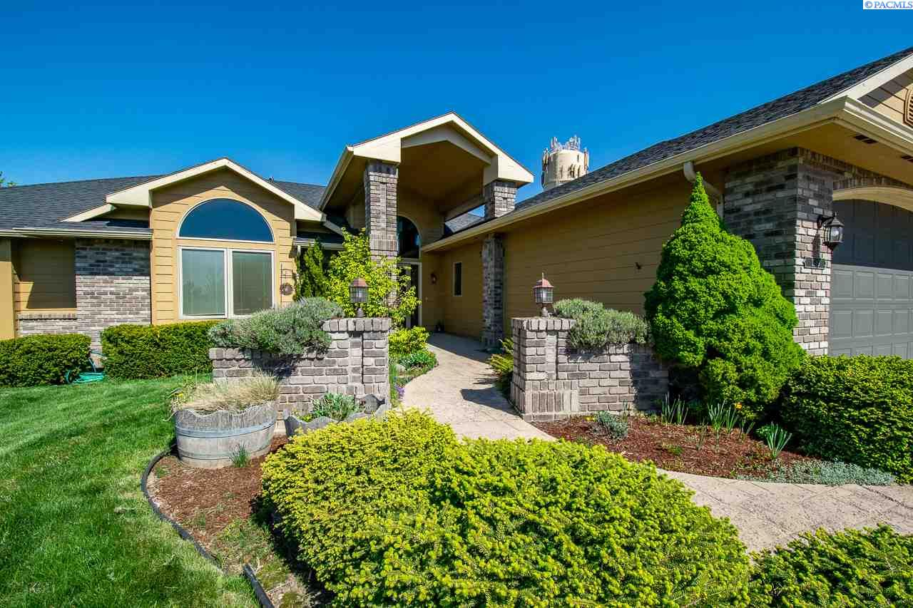 Additional photo for property listing at 1240 SW Campus View Pullman, Washington 99163 United States