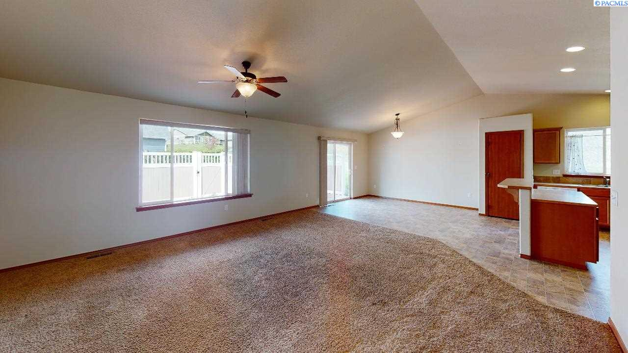 Additional photo for property listing at 602 Palouse Court Uniontown, Washington 99179 United States
