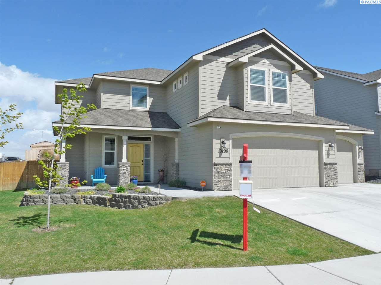 Single Family Homes for Sale at 10298 W 18th Place Kennewick, Washington 99338 United States