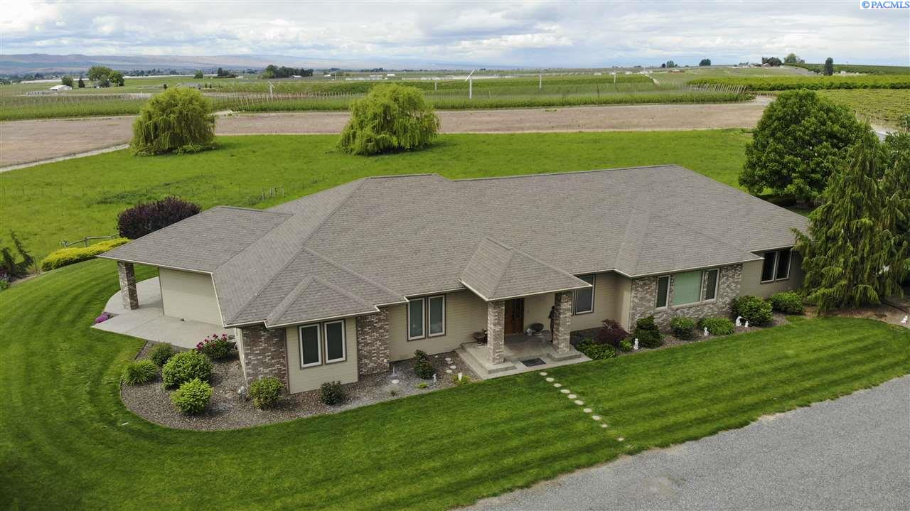 Single Family Homes for Sale at 29034 Hinzerling Road Prosser, Washington 99350 United States
