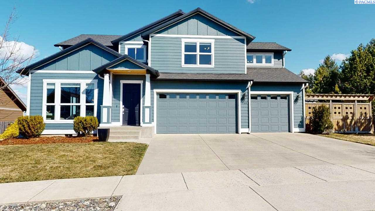 Single Family Homes for Sale at 720 SW Finch Way Pullman, Washington 99163 United States