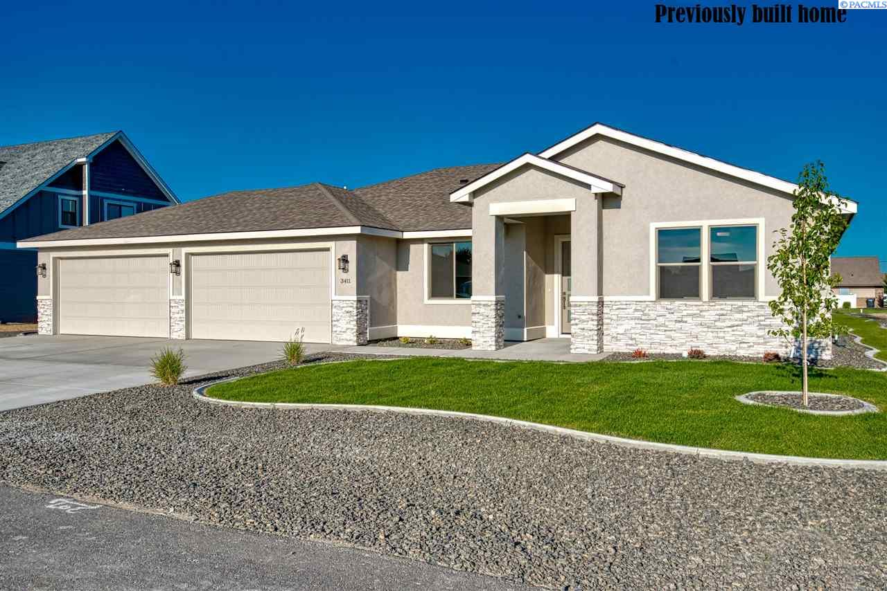 Single Family Homes for Sale at Lot 2 King Court West Richland, Washington 99353 United States