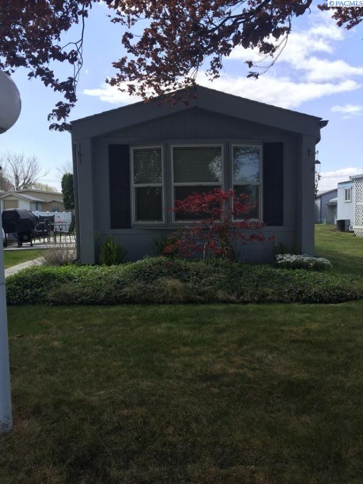 Manufactured Home for Sale at 7901 W Clearwater #161 Kennewick, Washington 99336 United States