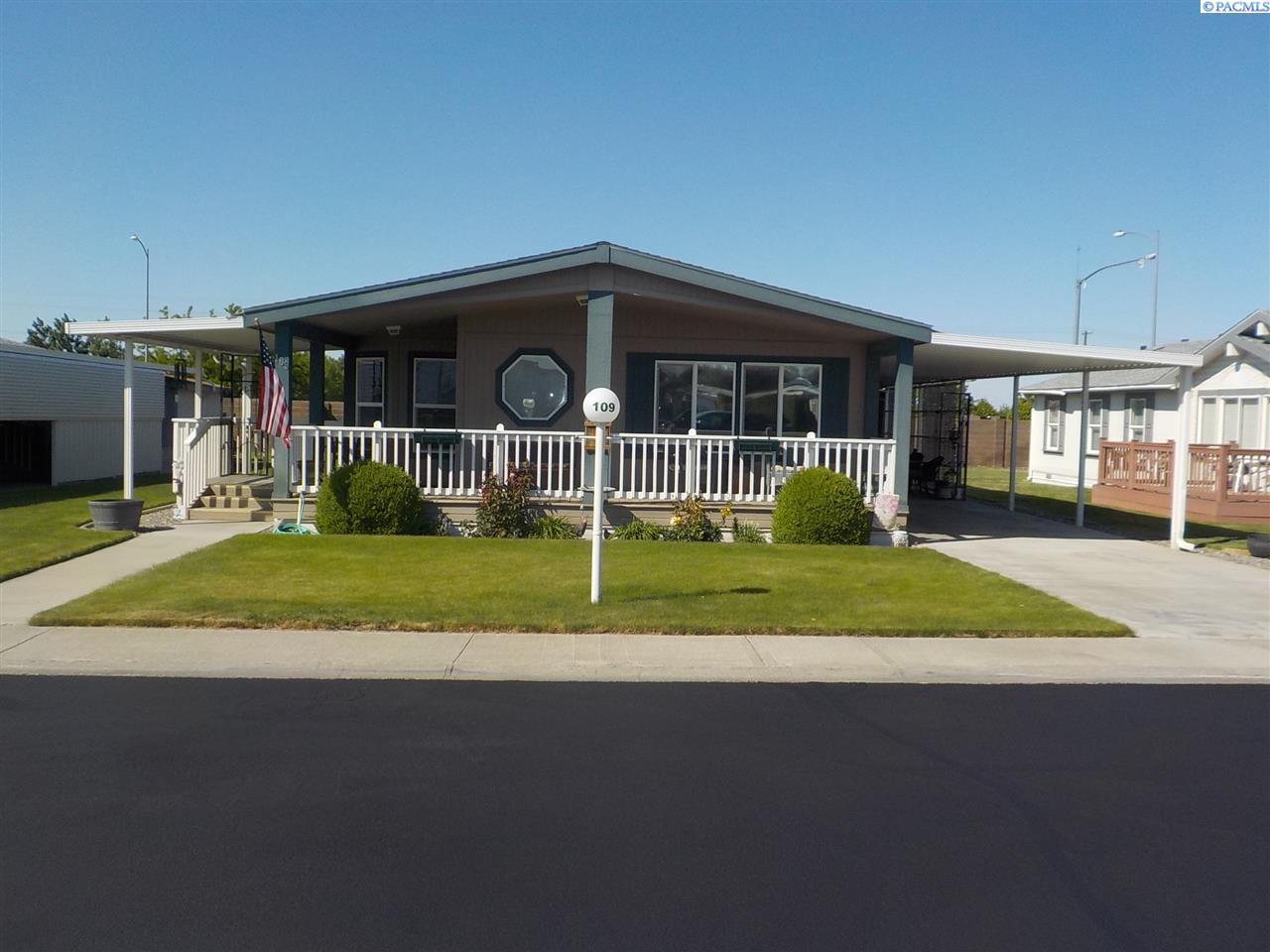 Manufactured Home for Sale at 312 S Columbia Center Blvd. Kennewick, Washington 33996 United States