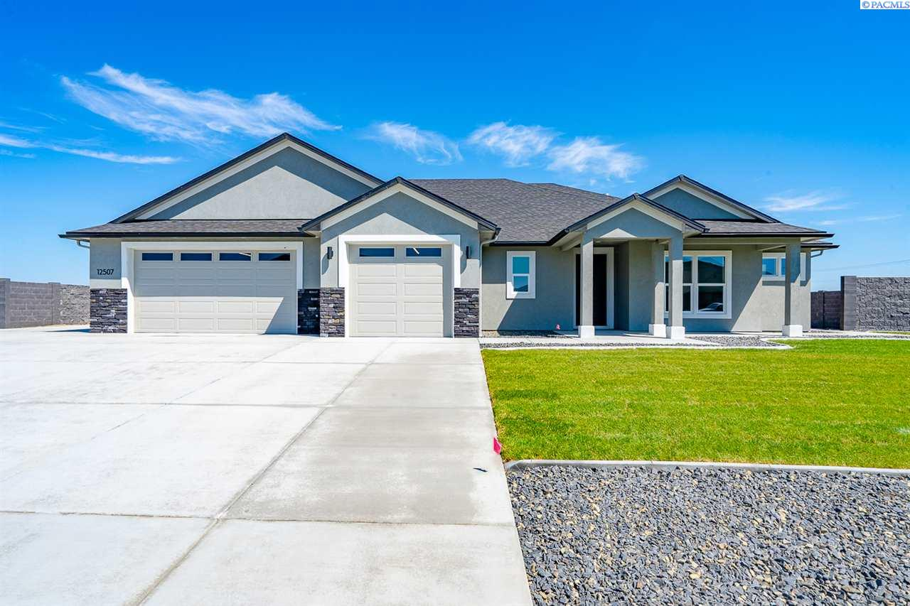 Single Family Homes for Sale at 6614 Gallatin Road Pasco, Washington 99301 United States
