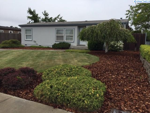 Manufactured Home for Sale at 624 N Douglas Avenue Pasco, Washington 99301 United States