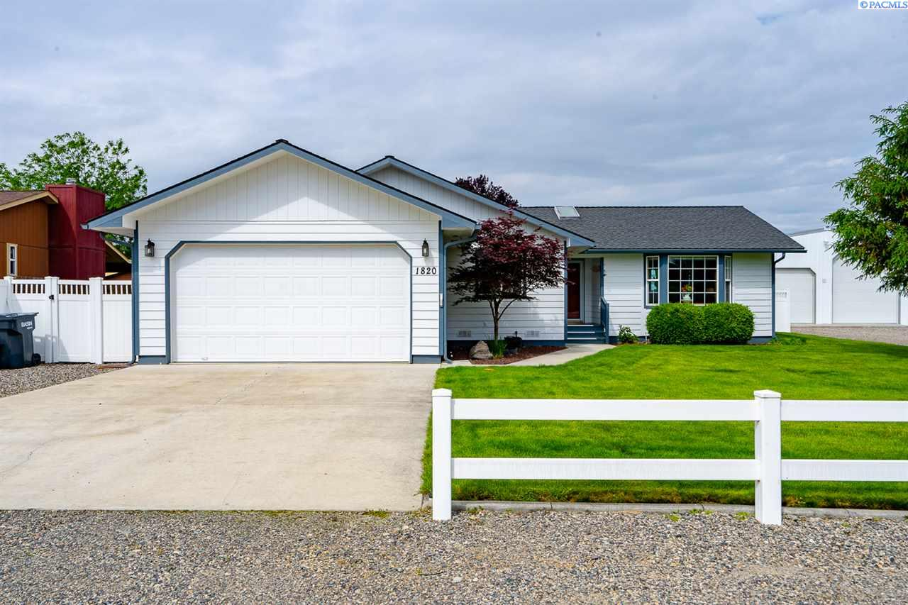 Single Family Homes for Sale at 1820 62nd Place Pasco, Washington 99301 United States
