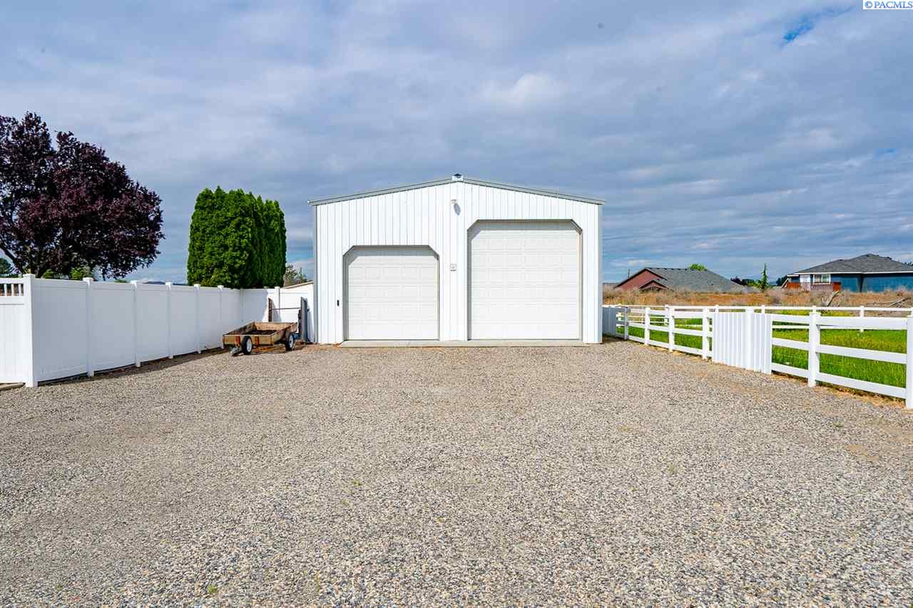 Additional photo for property listing at 1820 62nd Place Pasco, Washington 99301 United States